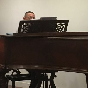 Filippo au piano au lycée Beaugrenelle
